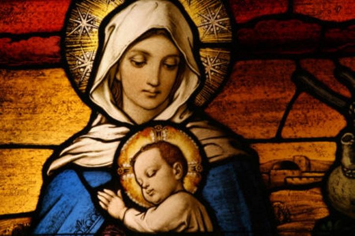Заговор на воду и икону Святой девы Марии при миоме