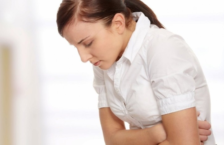 Болит живот при фиброме