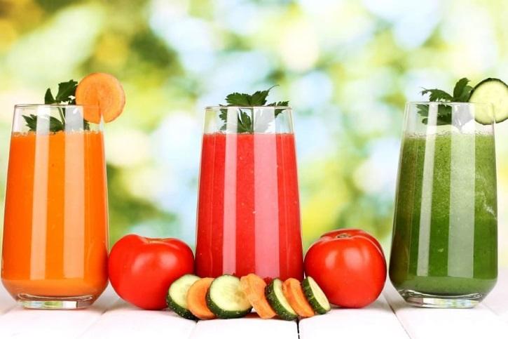 Овощные соки восстанавливают женский организм