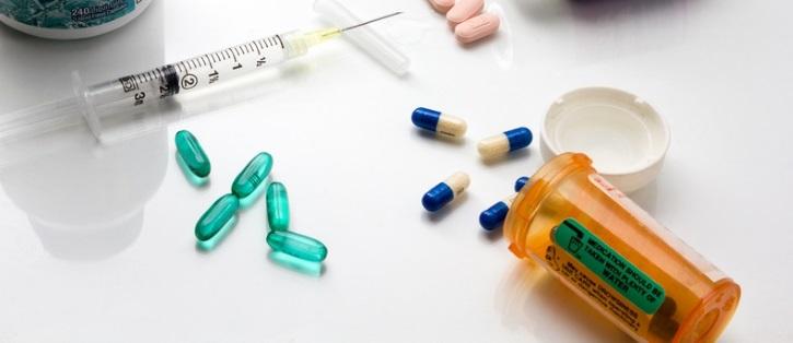 Уколы и таблетки назначает при миоме врач