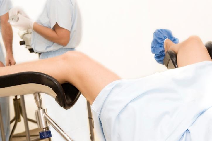 Осмотр гинеколога при эктопии