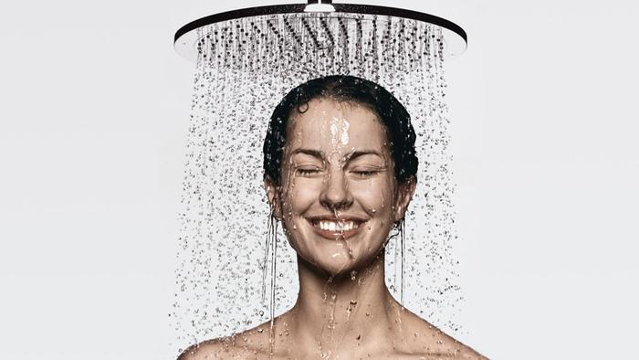 Принять душ при климаксе